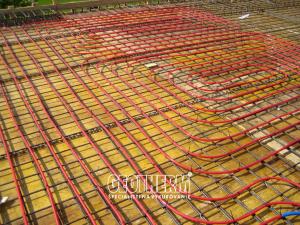 Temperovanie betónového jadra REHAU